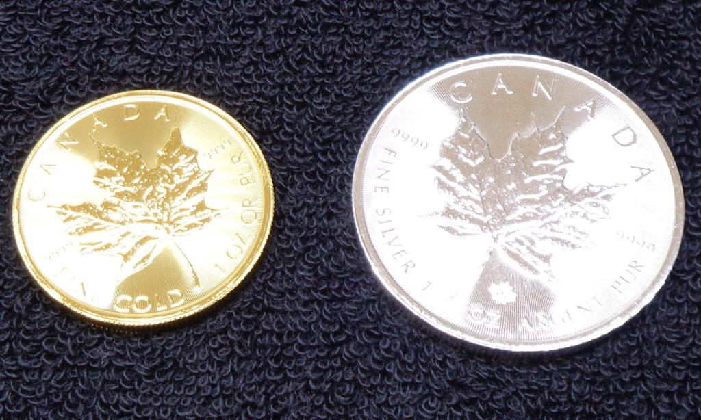 金貨・銀貨の輝き
